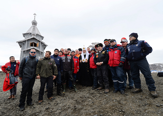 The church service was attended by Russian polar explorers and invited members of expeditions of other countrie