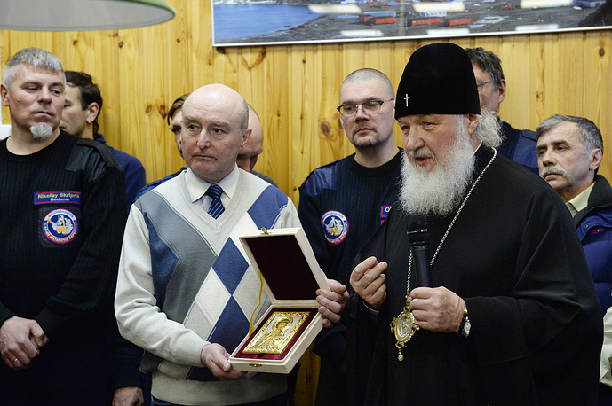 The Patriarch presented an icon of St. Prince Vladimir, the Baptizer of Rus, as a gift to the church