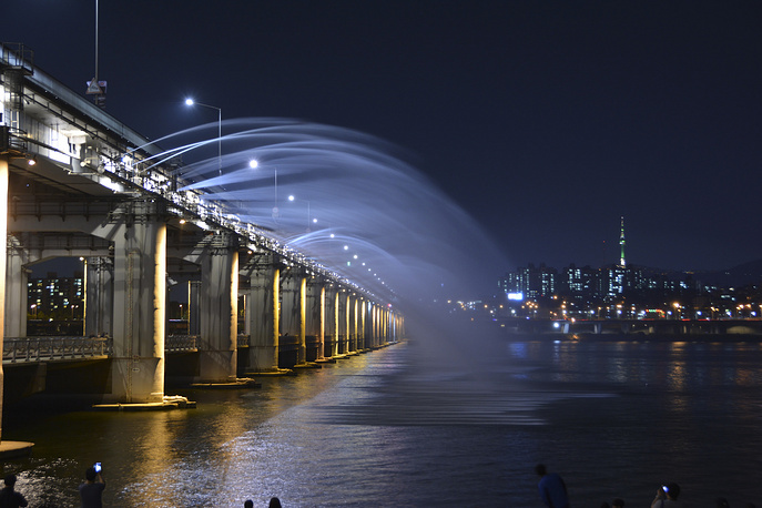 Banpo Bridge in downtown Seoul over the Han River, South Korea is world's longest bridge fountain
