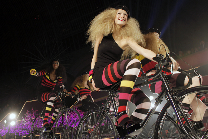 Models wearing creations by Sonia Rykiel as part of her show designed for H&M, in Paris, 2009