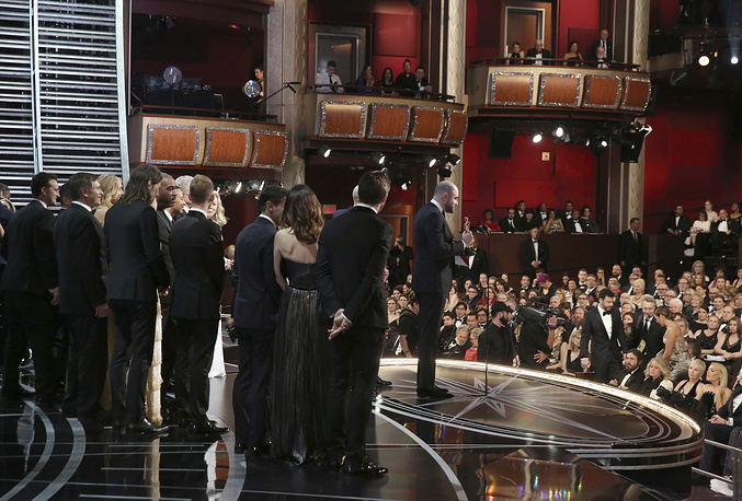"Jordan Horowitz, producer of ""La La Land,"" mistakenly accepts the award for best picture at the Oscars"