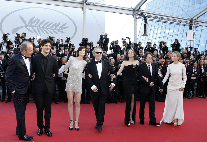 French actors Hippolyte Girardot and Louis Garrel,  actress Charlotte Gainsbourg, director Arnaud Desplechin, actress Marion Cotillard, actor Mathieu Amalric and Italian actress Alba Rohrwacher