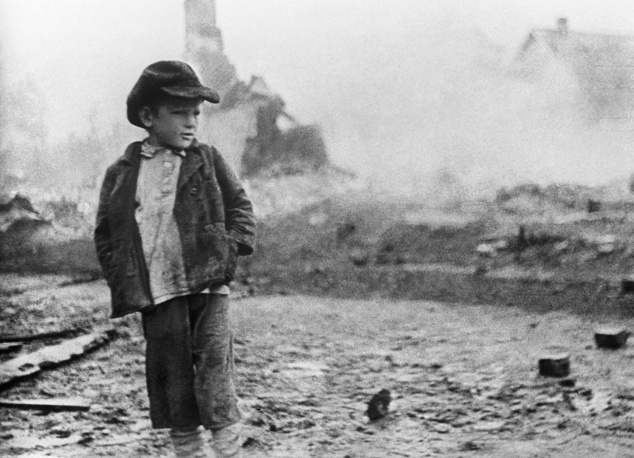 A child whose all relatives were killed at the site of fire, Smolensk region, 1941