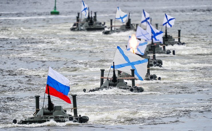 Russian Navy's Admiral Nevelskoy large landing ship brings BTR-80 amphibious armoured personnel carriers
