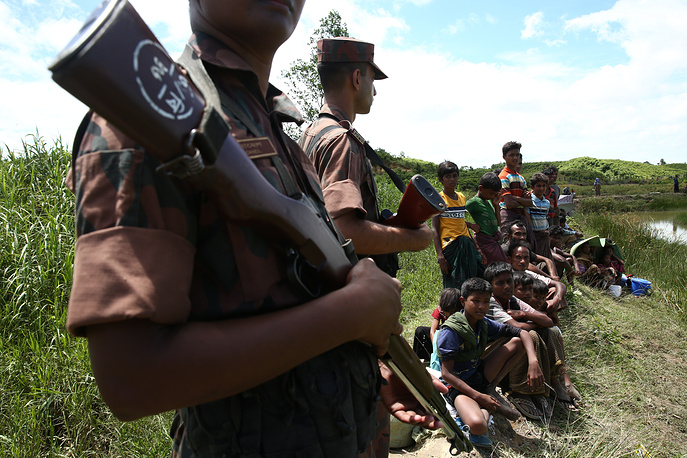 Thousands of Rohingya Muslims are pouring into Bangladesh, as violence erupted in neighboring Myanmar on August 25