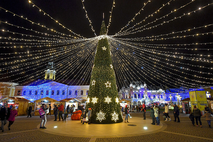 Christmas decorations are built up at the main square of Nagyvarad, Romania