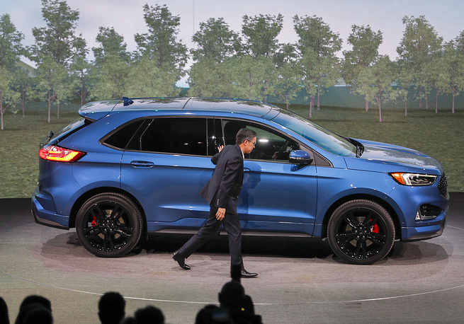 Ford executive Hau Thai-Tang introduces 2019 Ford Edge ST, with a 335 horsepower engine