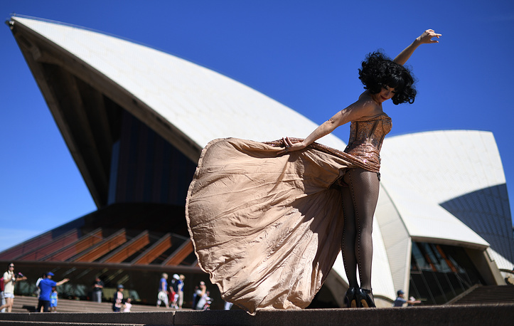 Cabaret entertainer Meow Meow poses for photographers on the steps of the Opera House in Sydney, Australia, January 18