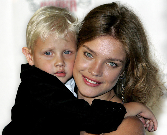 Natalia Vodianova is mother of five children. Photo: Natalia and her son Lucus, 2005