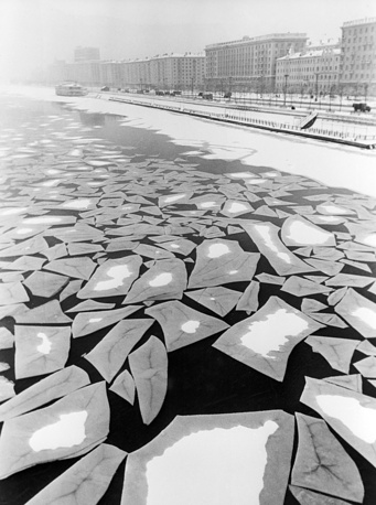 Ice drift on Moskva River in Moscow