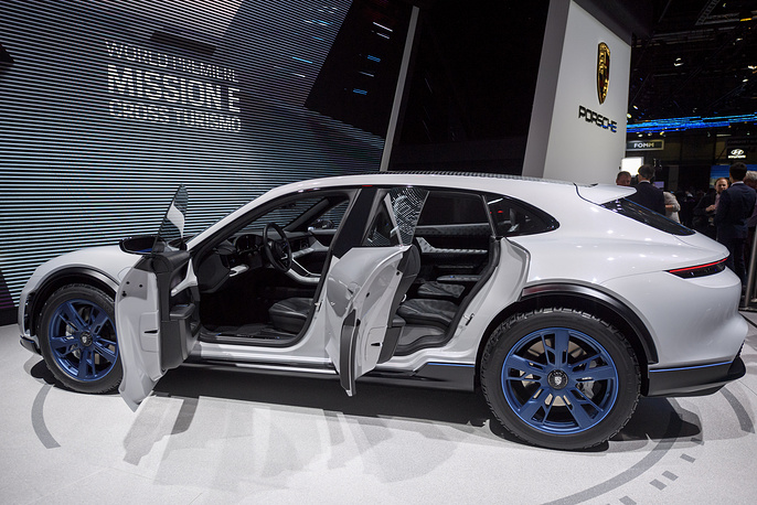 New Porsche Mission E Cross Turismo