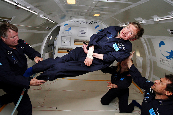 Stephen Hawking enjoys zero gravity during a flight aboard a modified Boeing 727 aircraft, 2007