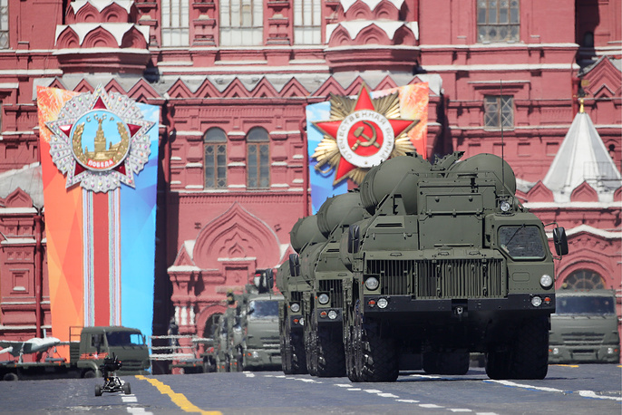 S-400 Triumf surface-to-air missile launchers
