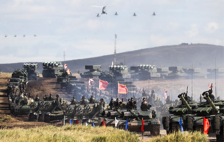 A parade of army hardware and aviation involved in the main stage of the Vostok 2018 military exercises