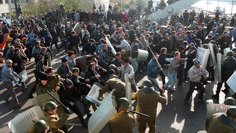 Krymskiy Bridge. Militia disperses demonstrators. ITAR-TASS/ Anatoly Morkovkin