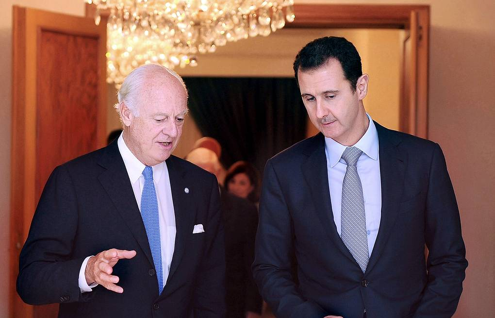 New UN envoy for Syria Staffan de Mistura (L) and Syrian President Basha Assad (R) EPA/SYRIAN ARAB NEWS AGENCY/HANDOUT