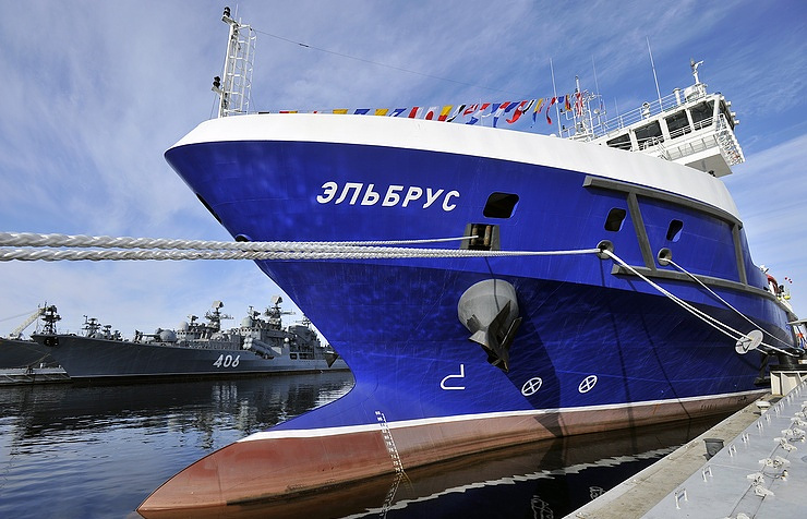 The Project 23120 logistics support ship Elbrus Lev Fedoseyev/TASS
