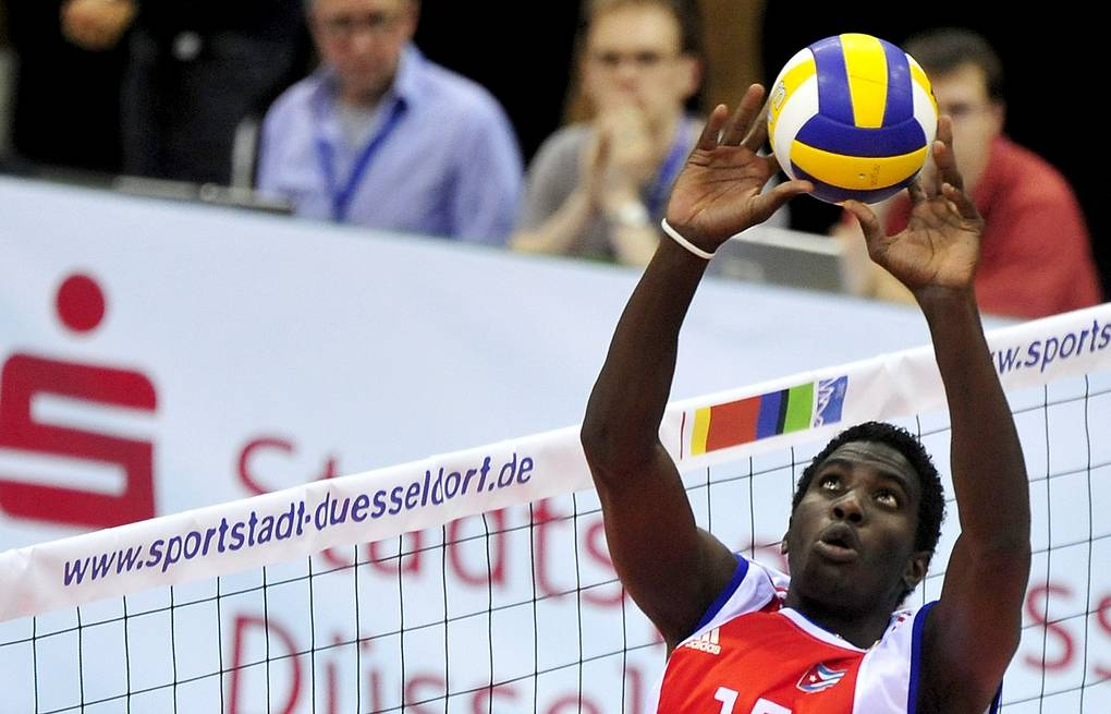 Cuban-born volleyball player Camejo files papers with FIVB