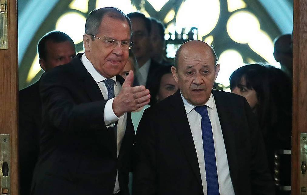 Russian Foreign Minister Sergey Lavrov and French Minister of Europe and Foreign Affairs Jean-Yves Le Drian Anton Novoderezhkin/TASS