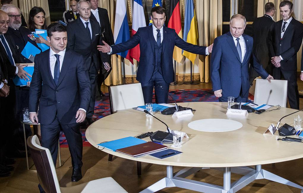 Ukrainian President Vladimir Zelensky, French President Emmanuel Macron and Russian President Vladimir Putin in Paris Christophe Petit Tesson/Pool via AP