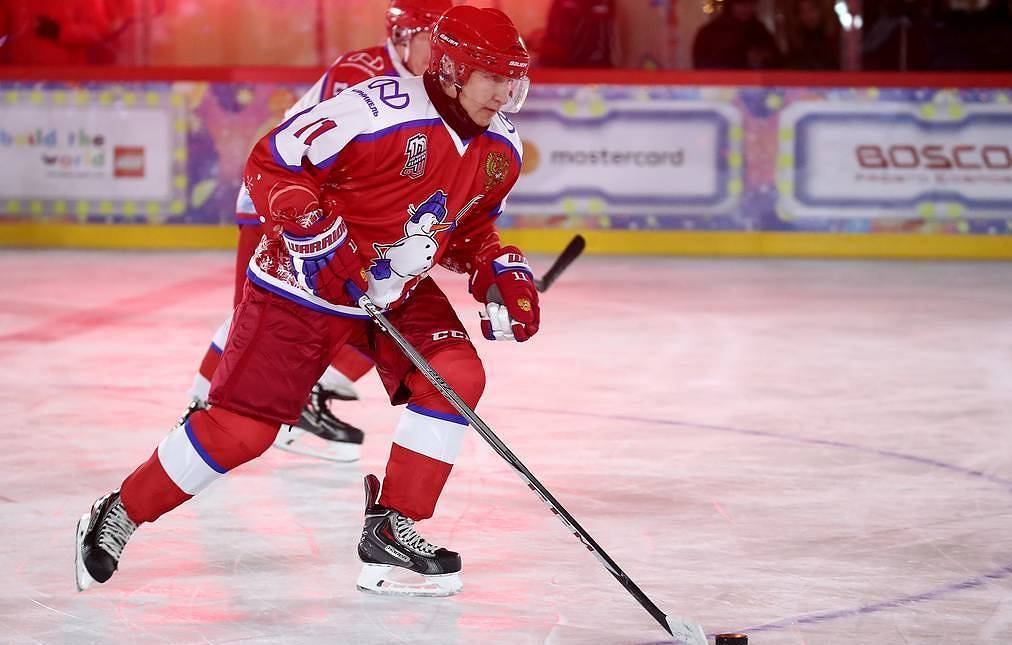 Putin S Team Wins 8 5 In Ice Hockey Match On Moscow S Red Square Sport Tass