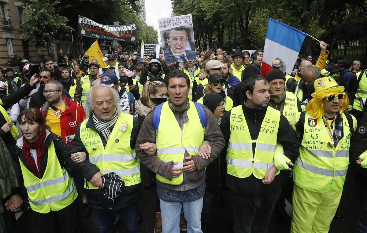 Around 18,600 people take part in Yellow Vests protests in France