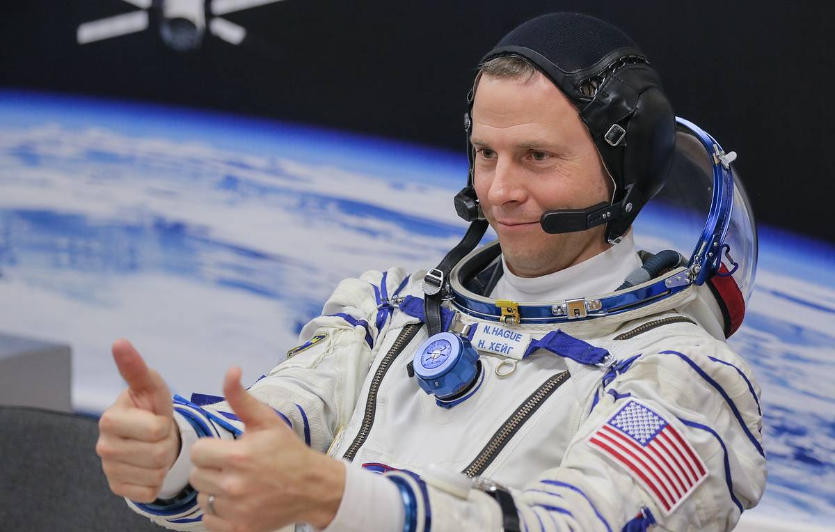 NASA astronaut Hague says he is honored to receive Russian Order of Courage