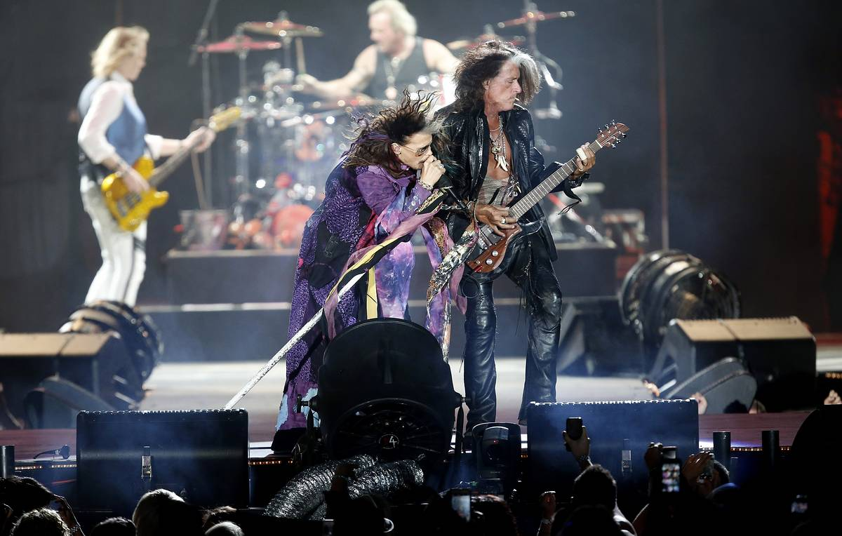 Aerosmith to mark 50th anniversary by rocking Moscow again this coming summer
