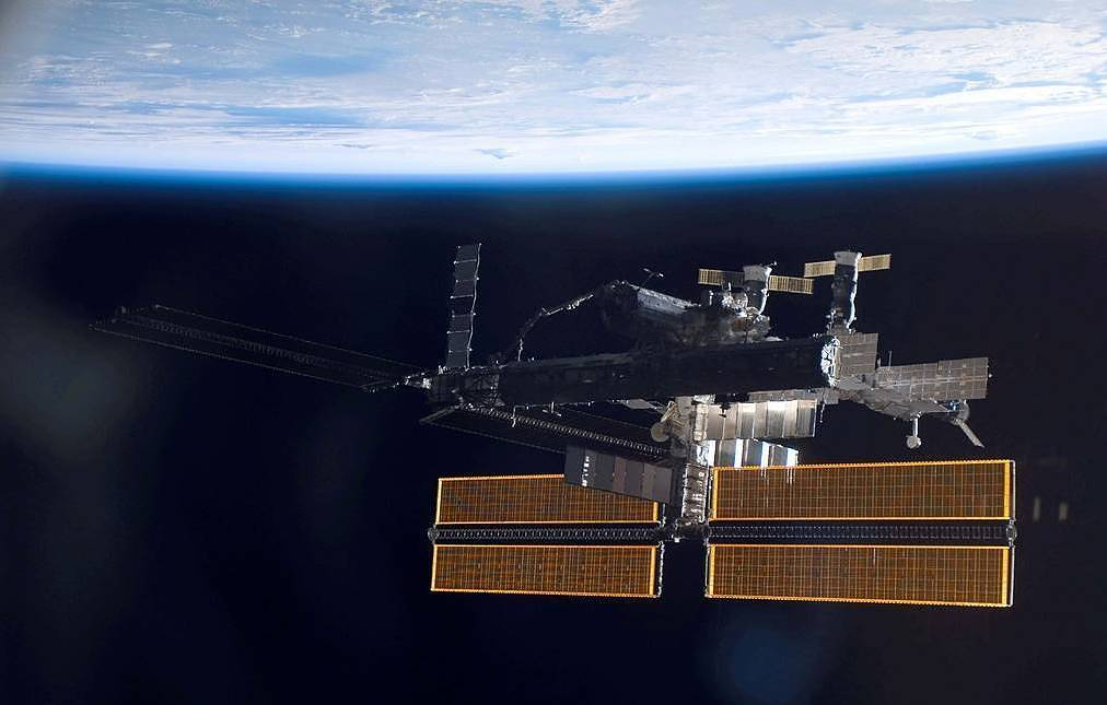 Air leak rate aboard space station drops after crew patches up fracture