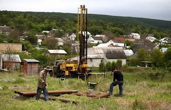 Artesian wells brought back into operation in Crimea