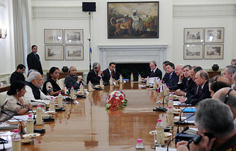 Meeting of Russia's and India's delegations