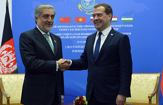 Chief Executive Officer of Afghanistan Abdullah Abdullah and Russian Prime Minister Dmitry Medvedev
