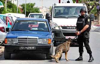 Police officer in Tunisia