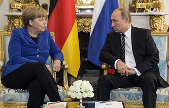 German Chancellor Angela Merkel (left) and Russian President Vladimir Putin