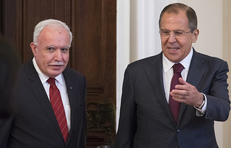 Russian Foreign Minister Sergey Lavrov and his Palestinian counterpart Riyad Al-Maliki