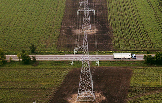 Transmission towers in Crimea