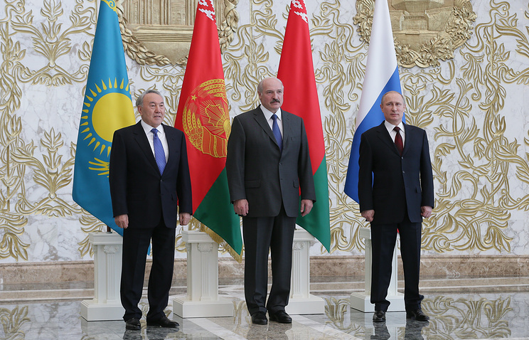 Left to right: Kazakhstan President Nursultan Nazarbayev, Belarussian President Alexander Lukashenko and Russian President Vladimir Putin on Apr. 29 in Minsk