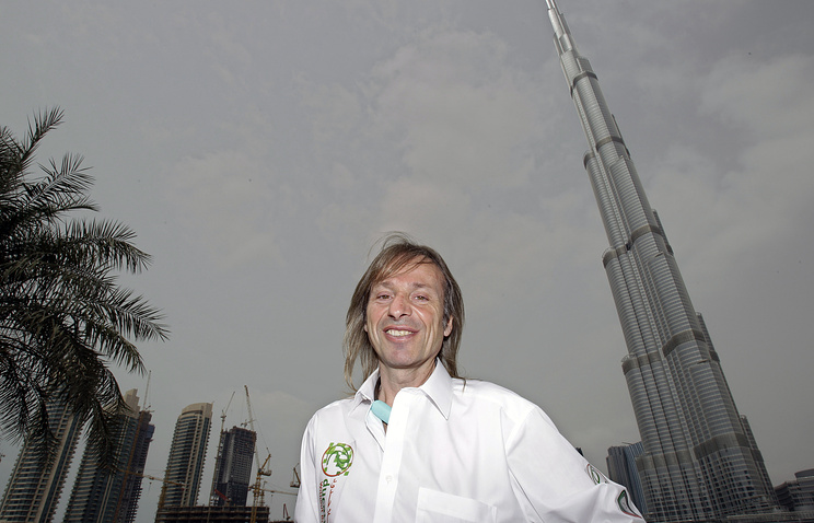 Alain Robert in Dubai