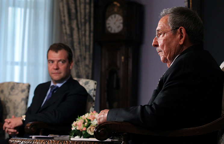 Russian Prime Minister Dmitry Medvedev and President of Cuba's State Council Raul Castro