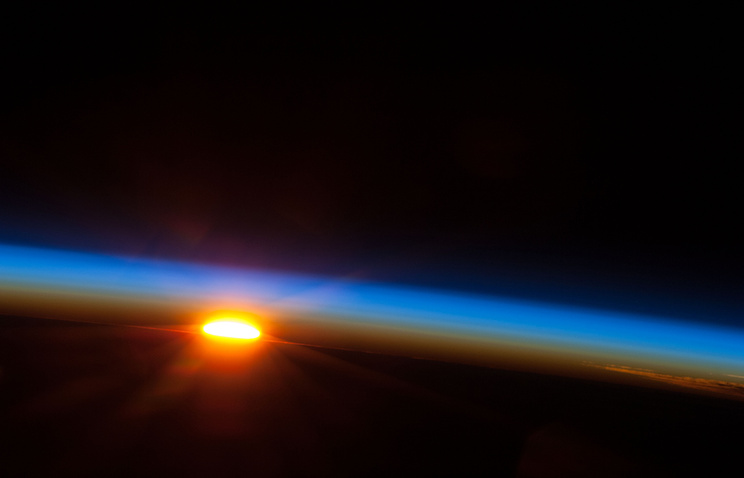 The sun about to come up over the South Pacific Ocean (archive)