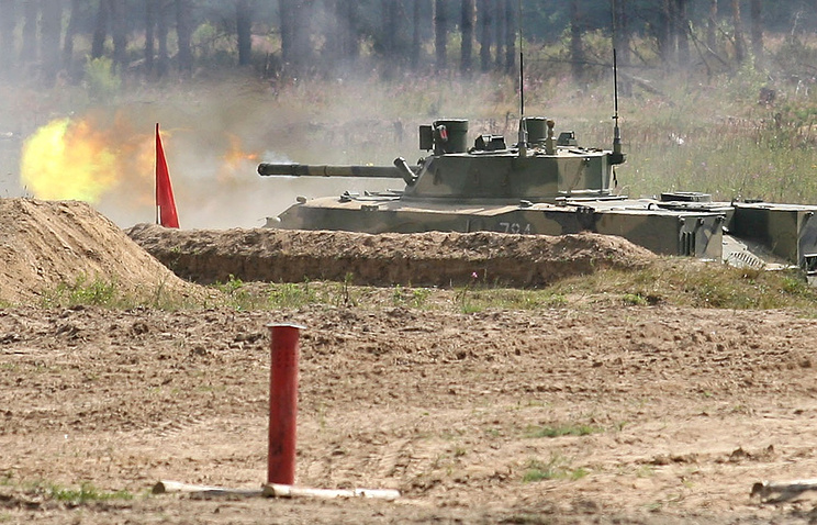 BMD-4 airborne fighting vehicle fitted with Sprut-SD anti-tank gun