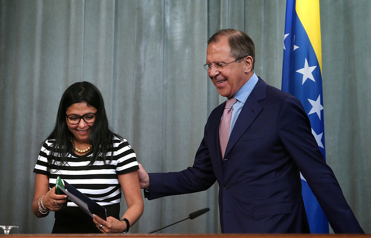 Venezuelan and Russian foreign ministers Delcy Rodriguez and Sergei Lavrov