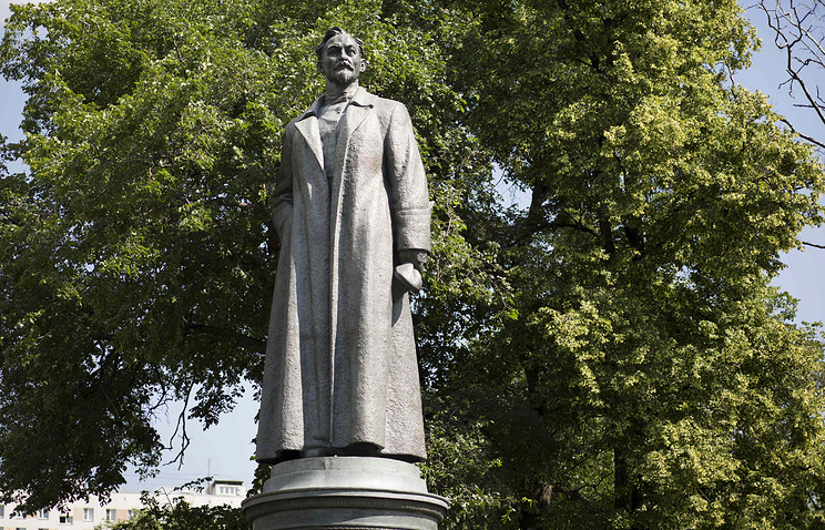A statue of Felix Dzerzhinsky, the founder of the Soviet secret police, stands in the Muzeon Park, in Moscow