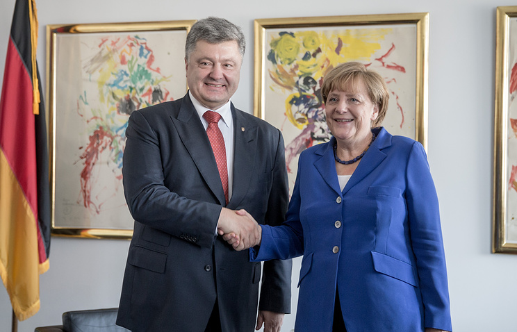 German Chancellor Angela Merkel and Ukrainian President Petro Poroshenko