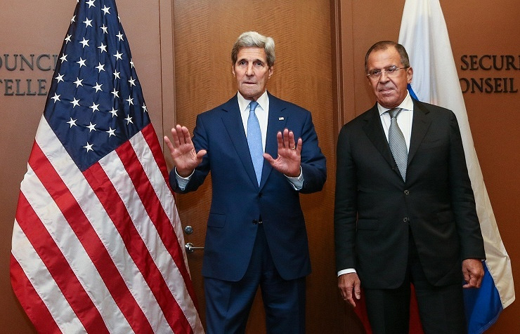 US Secretary of State John Kerry (left), Russian Foreign Minister Sergey Lavrov (right)