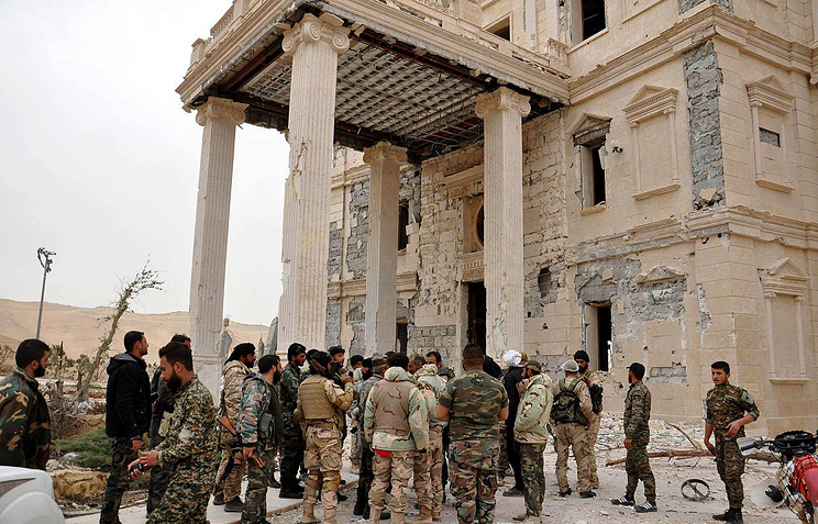 Syrian army units, in cooperation with local militias, advancing further into the vicinity of the ancient city of Palmyra