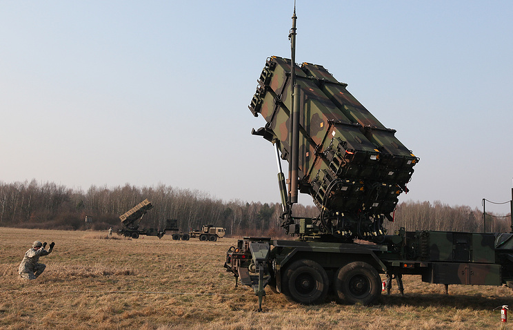 US troops taking part in joint exercise with Poland's troops to demonstrate the US Army's capacity to deploy Patriot systems rapidly within NATO territory