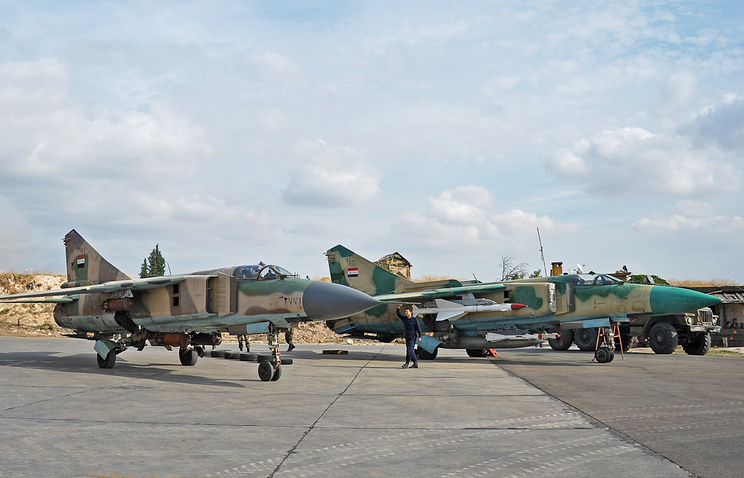 Syrian warplanes at a base in Hama (archive)