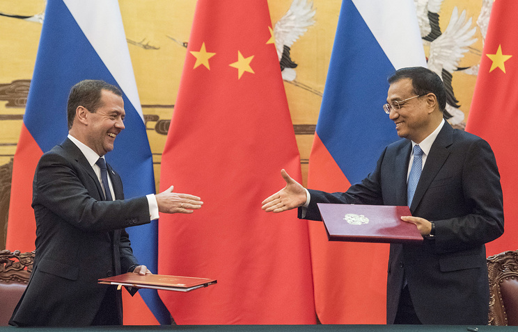 Russian Prime Minister Dmitry Medvedev and Chinese Premier Li Keqiang, Dec. 17 2015