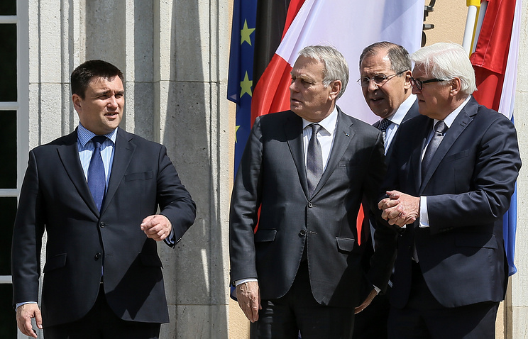 Normandy Four's foreign ministers, Pavel Klimkin, Jean-Marc Ayrault, Sergei Lavrov and Frank Walter Steinmeier